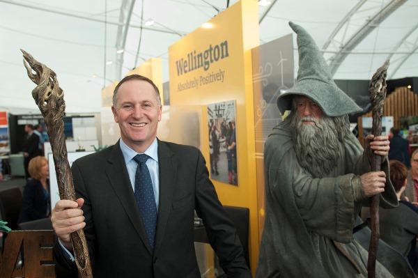 """Gandalf's Wish: Muggles and Hobbits - """"Be Revolting!"""""""