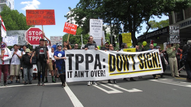 TPPA Crime Reporting Beat Inadequate: Why protests against the wealth & sovereignty 'Hold-ups' in progress need to be reported