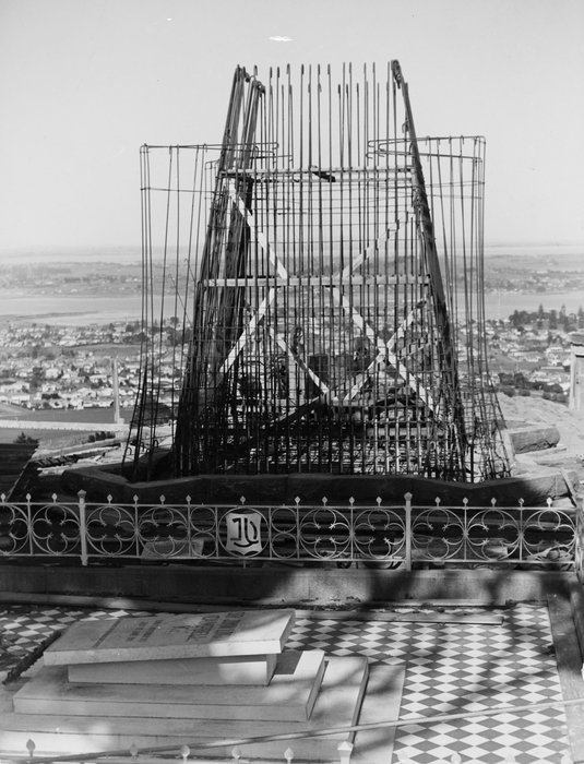 Masonic Humour: Scaffolding photographed around John Logan Campbell's obelisk under Construction by A. Brotherhood, 6 September 1939.